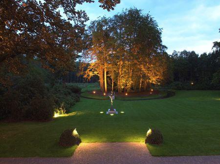 Vision on living verlichtingsplan voor exterieur - Hoe een boom te verlichten ...