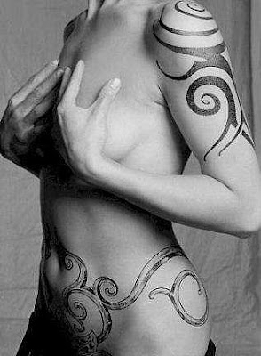 Tribal Tattoos Artist for Sexy Women