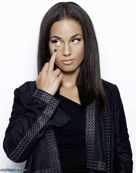 Alicia says...