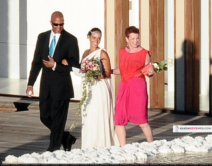 Commentary By Val Photo S De Jour Alicia S Wedding