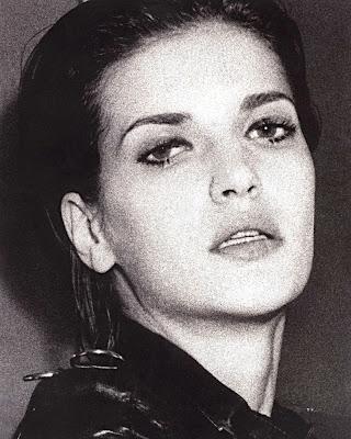 Diana Dondoe Resimleri