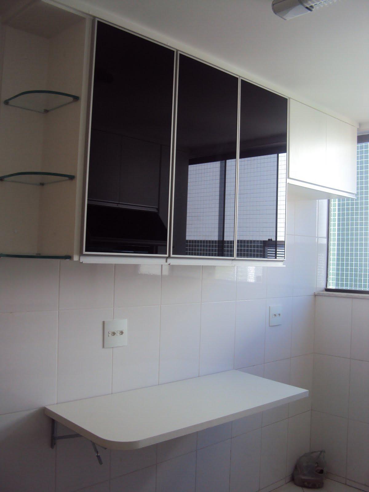 estilo : Cozinha com Puxador G e portas de aluminio com vidro preto #576674 1200x1600