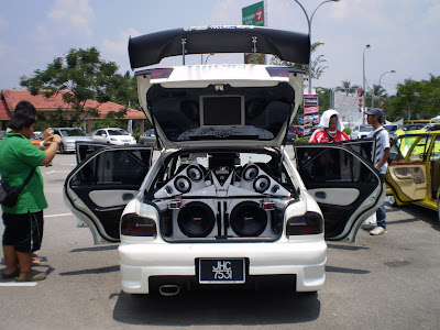 Wira Aeroback audio car
