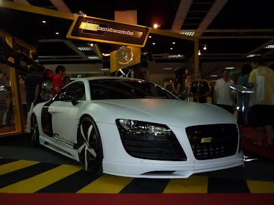 Matte White Audi R8