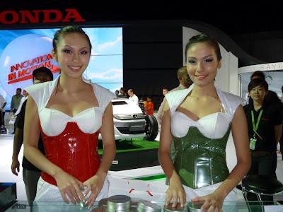 show girls of KL International Motor Show 2010 (KLIMS 10)