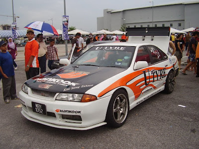 Cefiro A31 drift car converted to Skyline R32