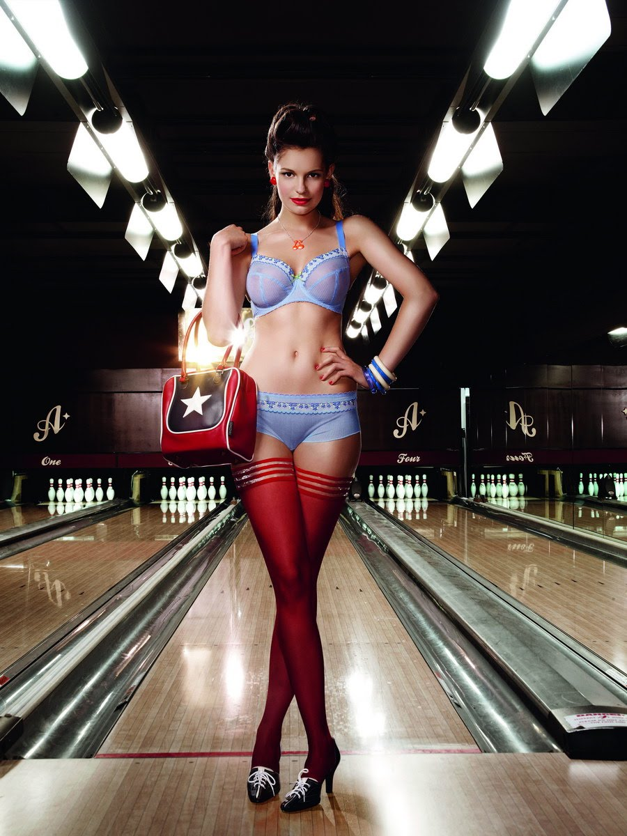 Ladies Vintage Bowling Shoes