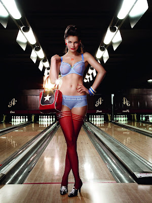 pin up bowling