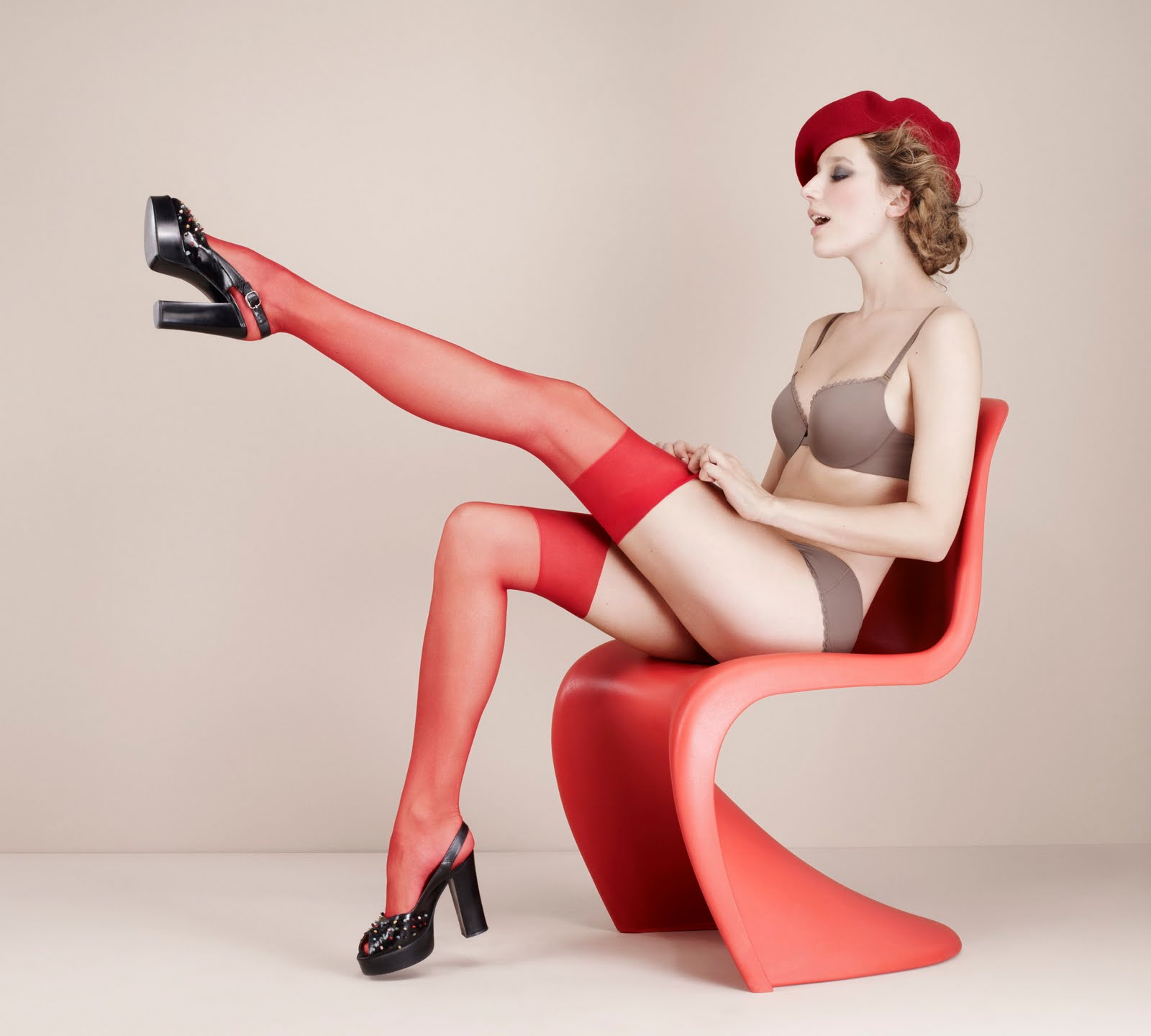 Pin up style nude photography