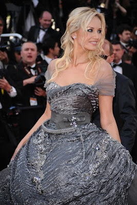 Adriana Karembeu Lovely In Gray Gown And Half Up Half Down
