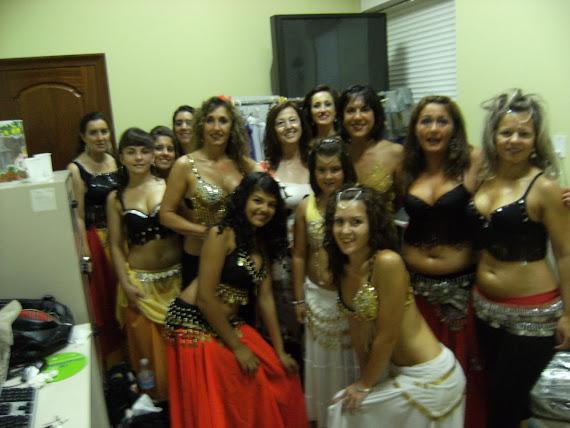 Rosa Fernandez Salanova con algunas de sus alumnas de los grupos de Mugardos y Pontedeume