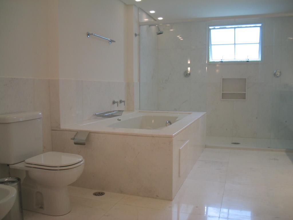 Área de Projecto 12ºB -> Banheiro Com Banheira Individual