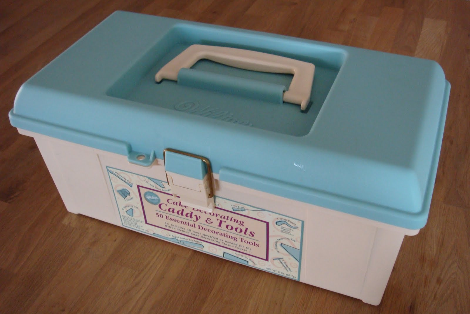 Cookiss @ Sheryl s Kitchen: My Wilton Cake Decorating Tool Box