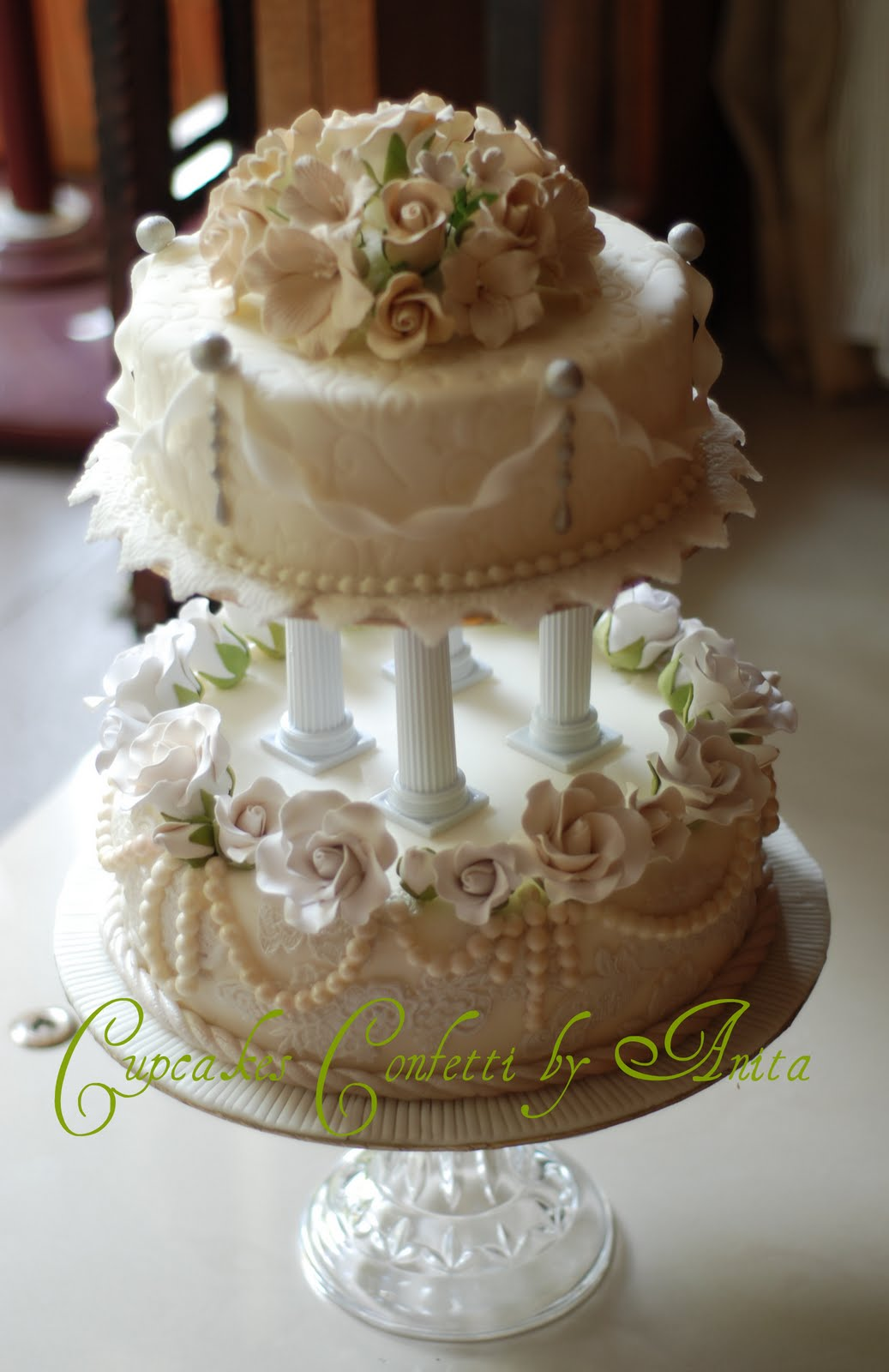 Cupcakes Confetti Wedding Cake 2 tiers in white&gold