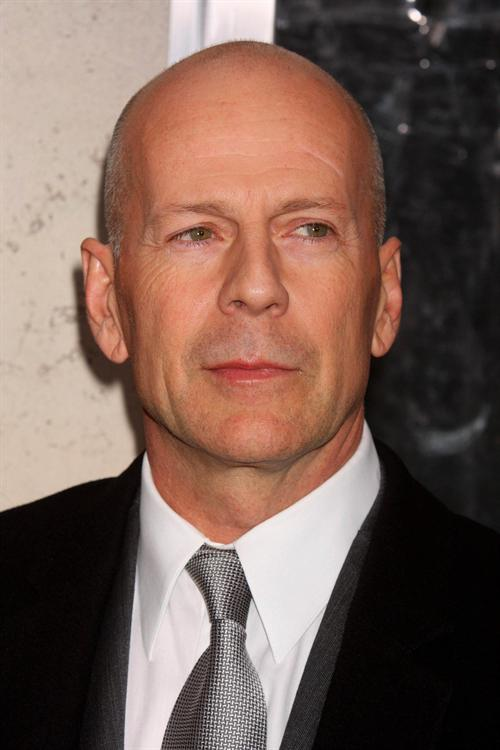 bruce-willis-lay-the-favorite