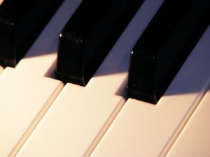 [pianojpg]