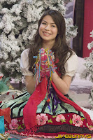 Miranda Cosgrove christmas photos