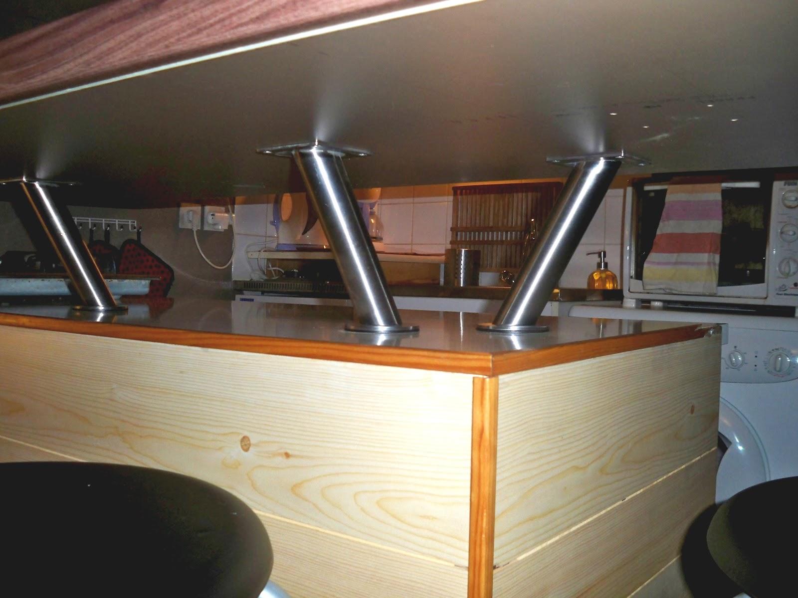cr adek 39 cuisine de mon premier appartement. Black Bedroom Furniture Sets. Home Design Ideas