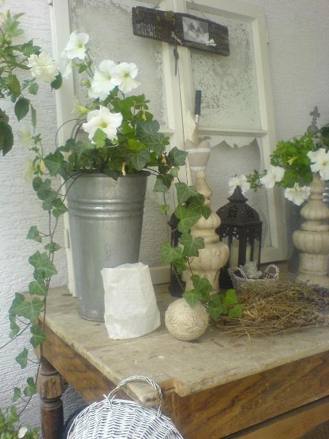 Lovely vintage gartendeko und an einem verregneten for Gartendeko shabby vintage