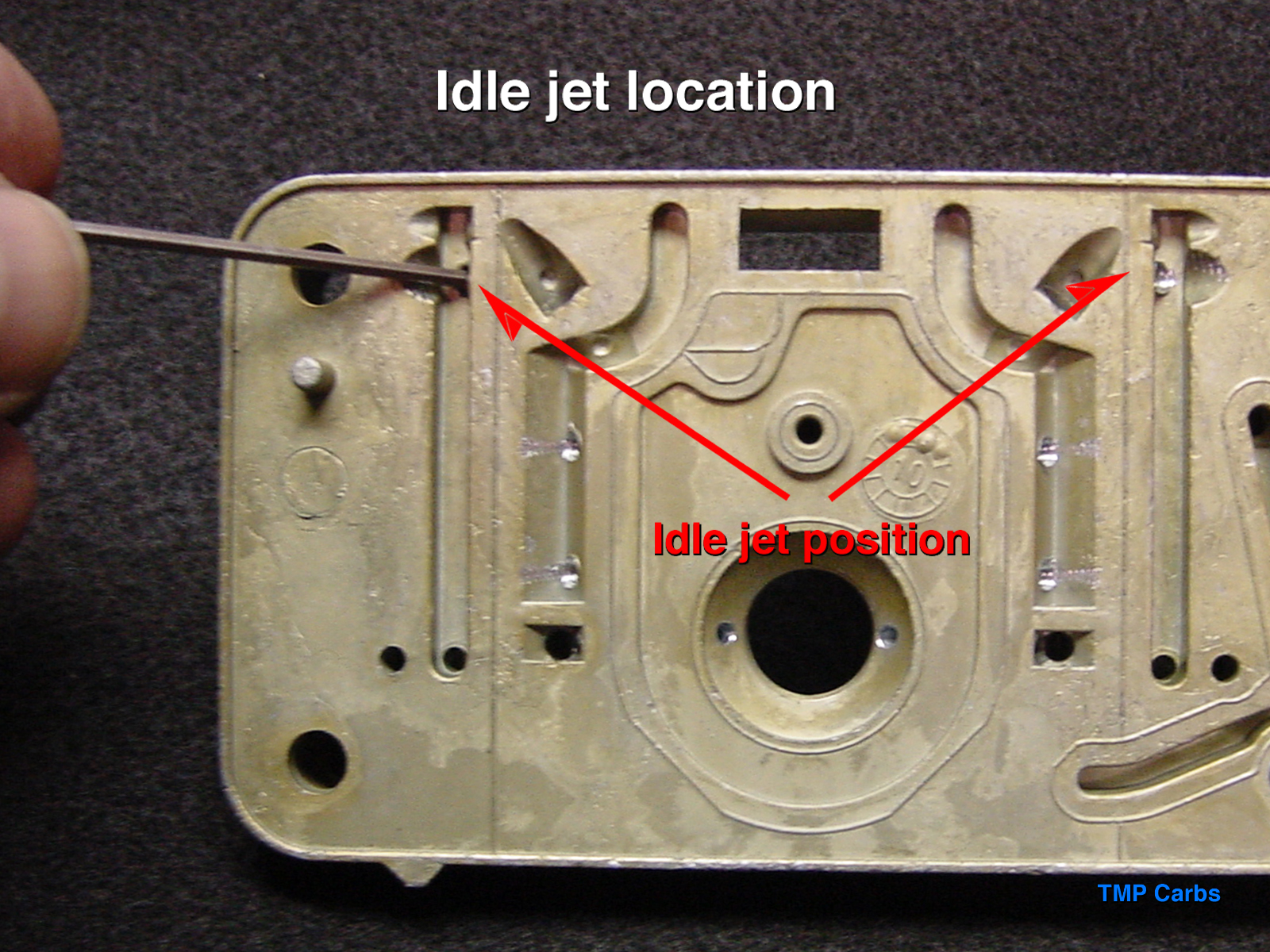 edelbrock carburetors jet location