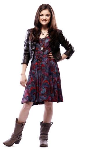 http://3.bp.blogspot.com/_MGDeA2my0i8/TCkEY4qcWFI/AAAAAAAAG7s/rrxiOWFr1Rk/s1600/lucyhale1aria.jpg
