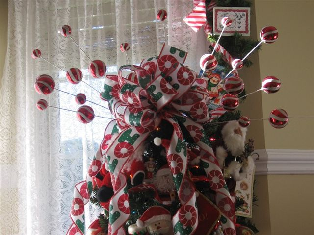 Melody Santa Tree Topper