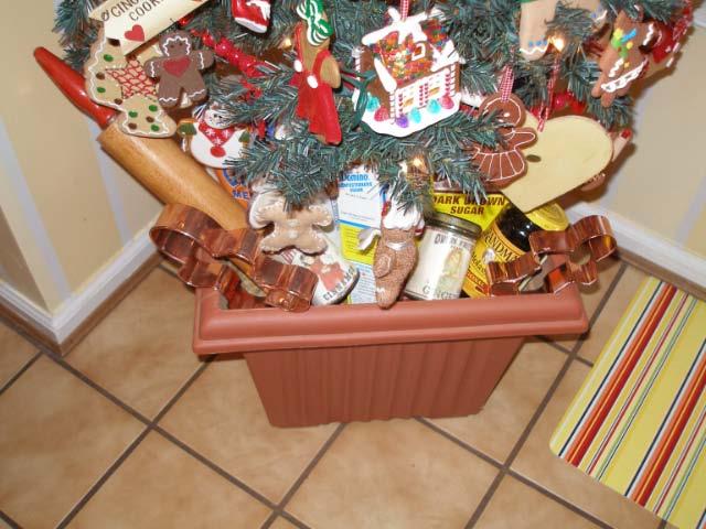 Susan Gingerbread Tree Skirt