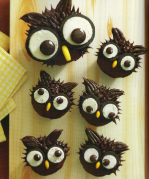 Halloween related foods to make with kids for Halloween mini cupcake decorating ideas
