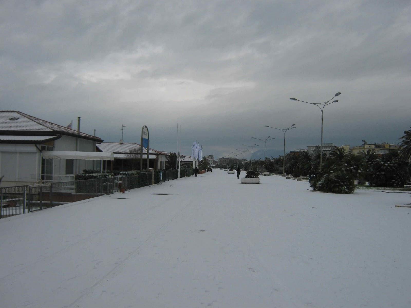 Bagno Roberto, Lido di Camaiore: Neve a Viareggio, Lido di ...