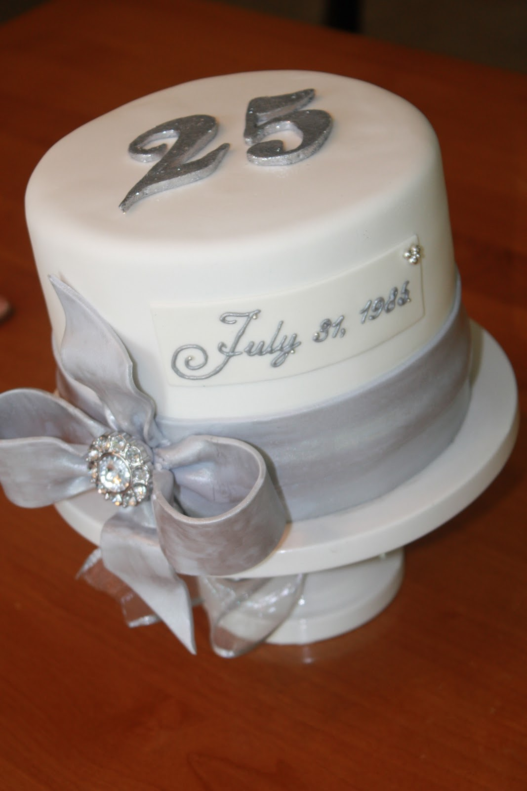 Cake Images For 25 Anniversary : 1000+ images about 25th Anniversary Party Ideas on ...