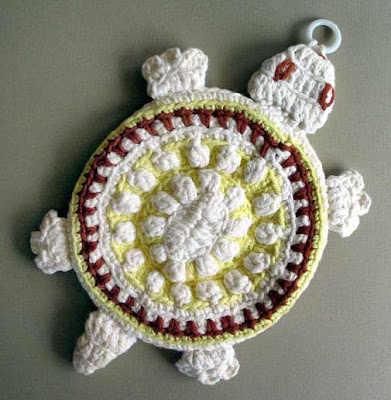 vintage crochet potholder turtle