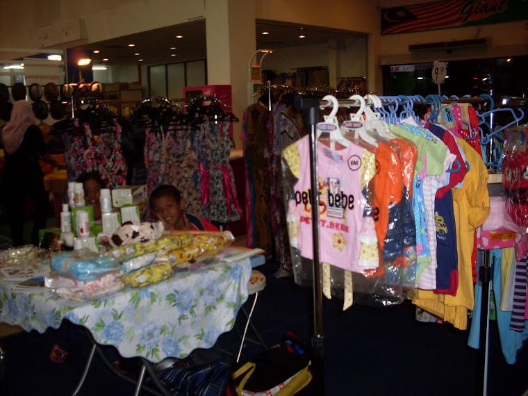 Temui Booth MOS di Giant Tambun