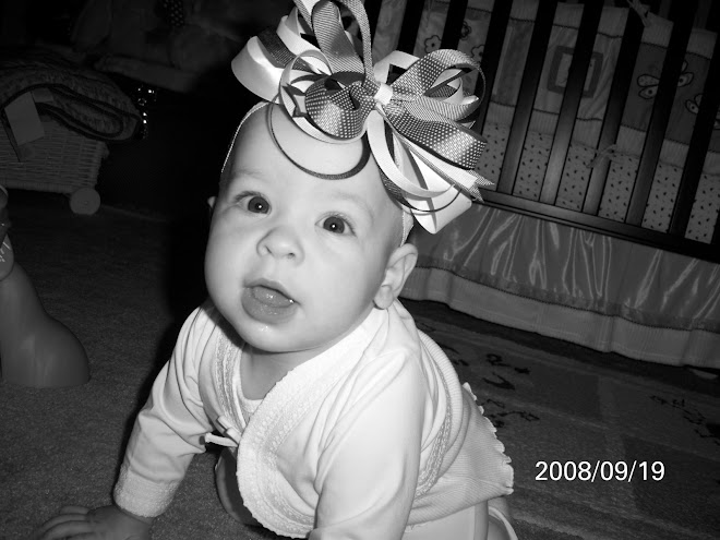 Maddie and her bow again....