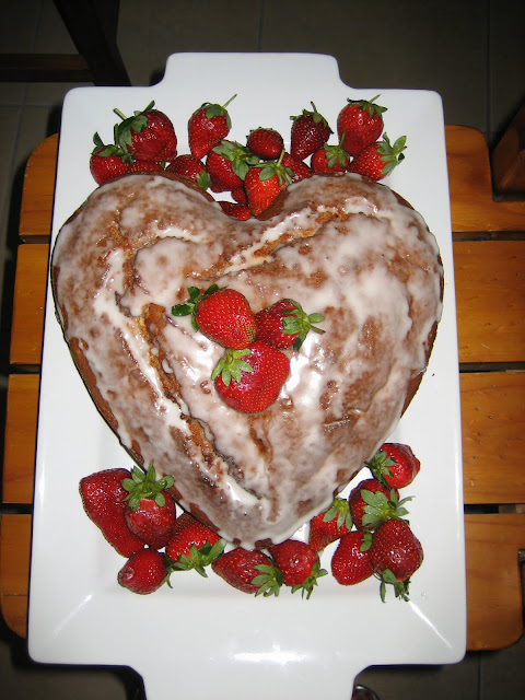Strawberry Cake ~ Foodie Friday
