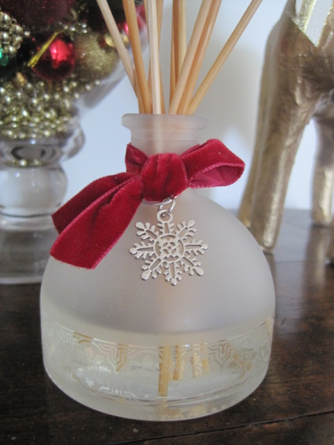 Natasha in Oz, Home Tour, Christmas decorating, Christmas, Crabtree and Evelyn Noel Diffuser