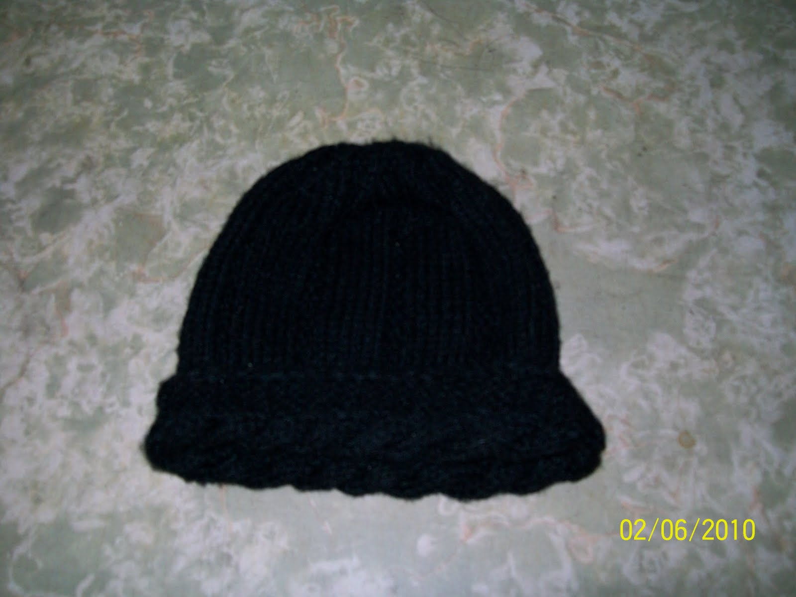 Este esta tejido en dos agujas. Disponible en lana fina o gruesa.