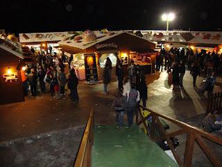 Mais uma vista das tendas da feira