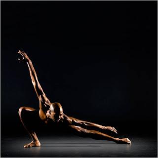 Bailarino em pose linda