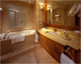 Casa de banho da suite da casa do sultao do emiratos arabes unidos