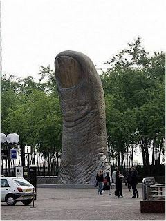Le pouce.Paris, France