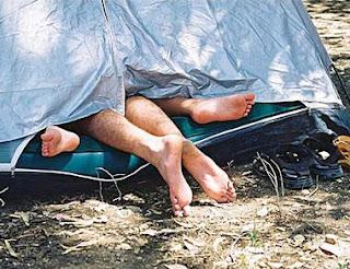 Sexo na tenda ou será apenas uma sesta?