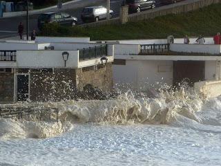 Mar tempestuoso - São Pedro de Moel - Ondas invadiram areal