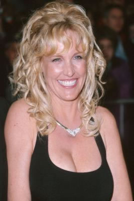 an overview of the story of erin brockovich Erin brockovich 2000 movie hd erin brockovich movie overview erin brockovich is released on erin brockovich movie story-line : erin brockovich is an.