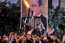 Egipto: El ejército se une al pueblo y pide la dimisión de Mubarak, tras dejar más de 100 muertos e