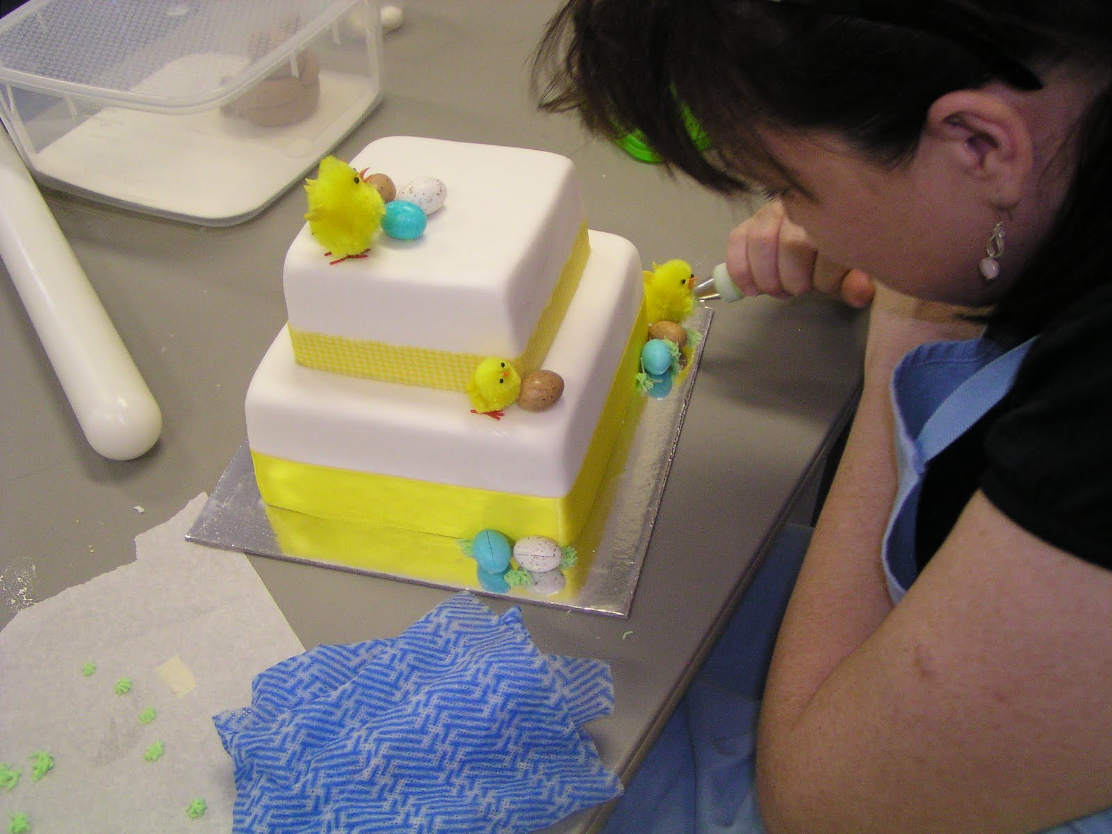 CAKE IT SWEET: Cake Decorating Class-easter cake