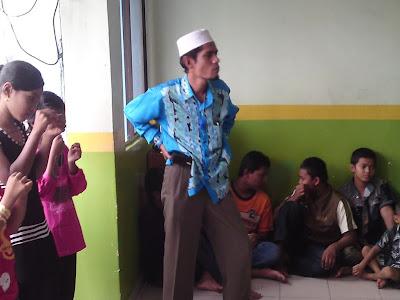 lawatan kerumah anak yatim pelarian rohingya Pengetua+madrasah+hasyimiyah
