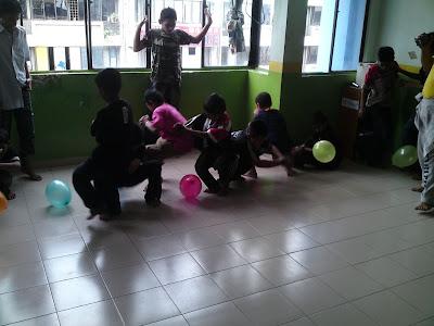 lawatan kerumah anak yatim pelarian rohingya Pecah+belon+3
