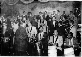 "TITO RODRIGUEZ JUNTO A LA ORQUESTA DE : "" MACHITO """
