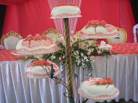 white/red theme wedding cake