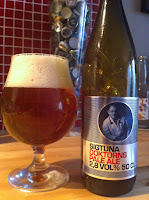 Inför morgondagens släpp så dricker vi Sigtuna Doktorns Pale Ale (2,8%)